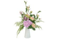 Декоративные цветы Букет розы и гортензии в керамической вазе
