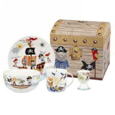 """Набор Churchill 4 предмета в коробке. Тарелка 17,5 см, миска 13 см, кружка 284 мл, подставка для яйца 6,5 см """"Пираты"""" от Little Rhymes"""