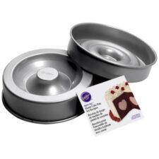 Набор круглых форм для выпечки торта с сердцем внутри Wilton 21,6х7см, 2шт