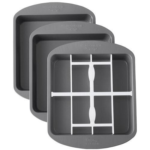 Набор 3 квадратных форм для многослойной выпечки Wilton 20,3х20,3х3,81см, 1 вставка пластик